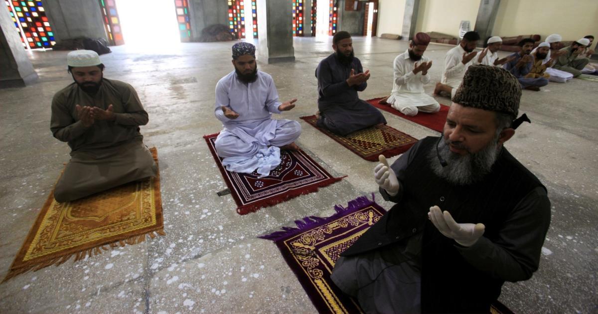 Warga Pakistan Tak Mau Masjid Kosong Karena Corona, Ini Alasannya
