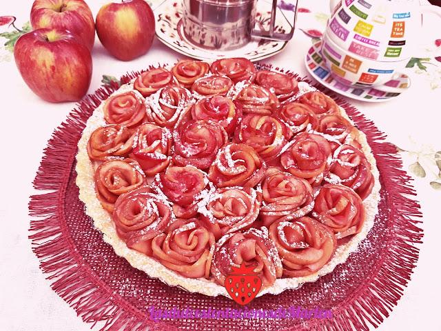 Tartaleta De Rosas De Manzana Y Crema Pastelera