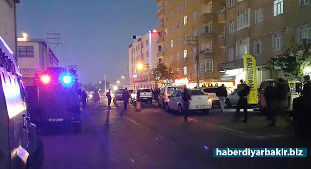 DİYARBAKIR-Diyarbakır Valiliği tarafından, merkez Bağlar ilçesinde polis ile PKK'liler arasında yaşanan çatışmayla ilgili açıklama yapıldı.
