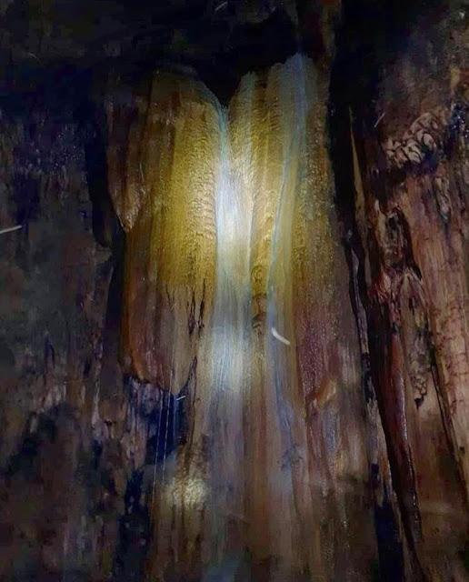 වවුල්පනේ භූගත හුණුගල් ගුහාවේ අසිරිය විදිමූ 🦇🌑🌫 (Waulpane Limestone Caves) - Your Choice Way