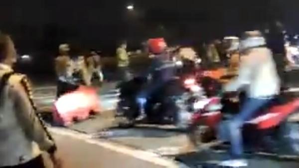 Pemotor Lolos Penyekatan di Karawang, Polisi: Jumlah Personel Tak Sebanding