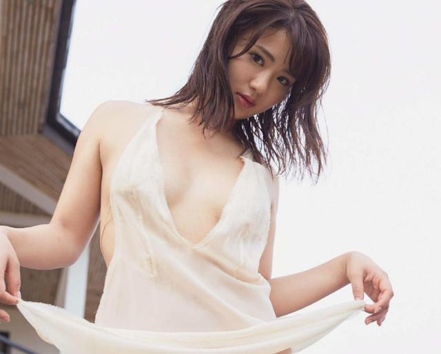 hirajima natsumi gravure akb48 debut av.png