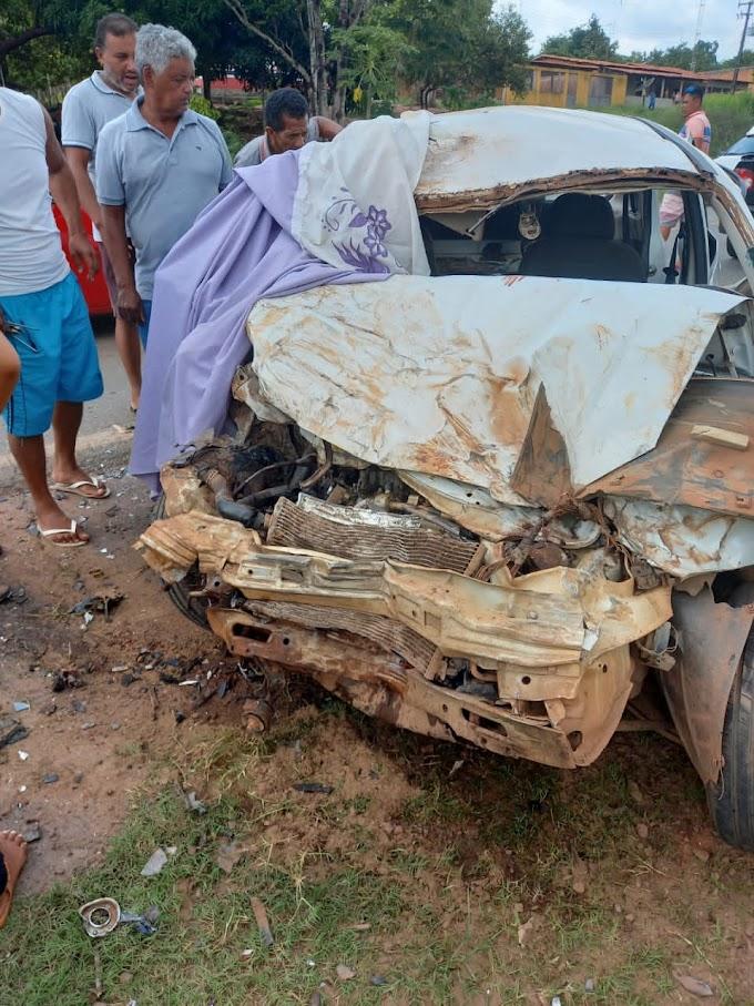 Grávida morre e quatro pessoas ficam feridas após colisão frontal na BR-222