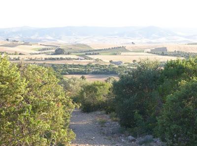 sentiero per il Villaggio saraceno