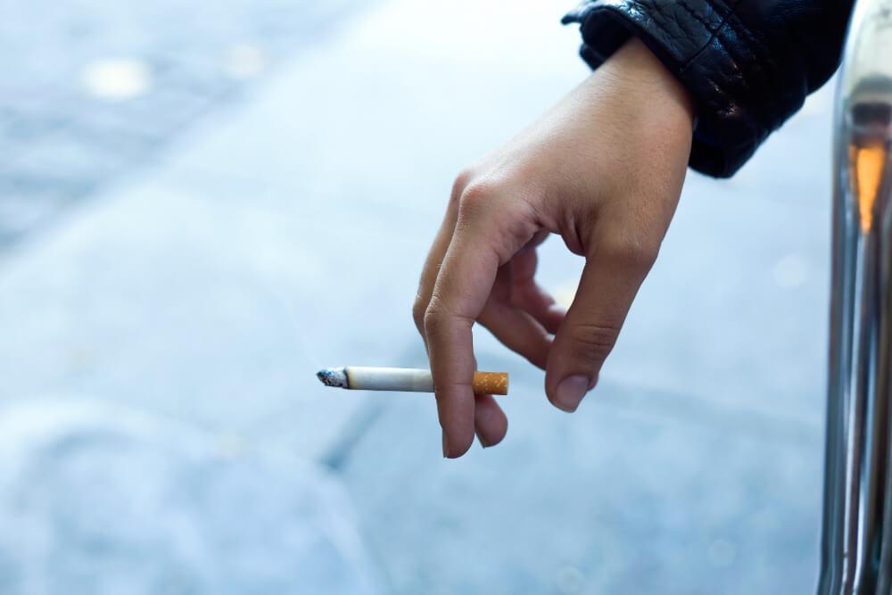 delapan-mitos-berbahaya-tentang-merokok