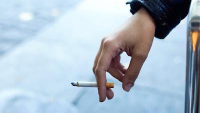 Delapan Mitos Berbahaya Tentang Merokok