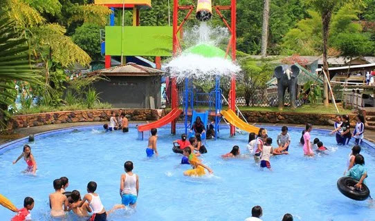 kolam renang tirta alam subang