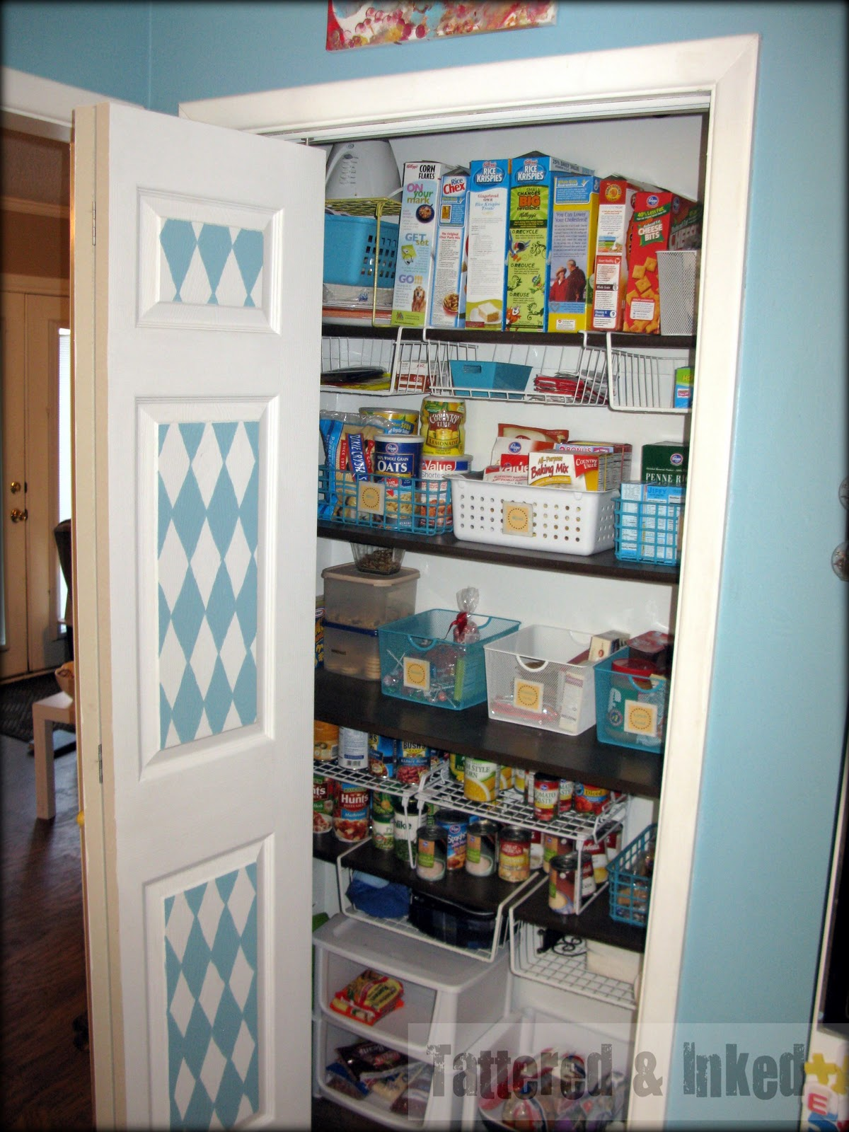 Great ideas 37 diy organizing ideas tatertots and for Organization ideas for kitchen pantry