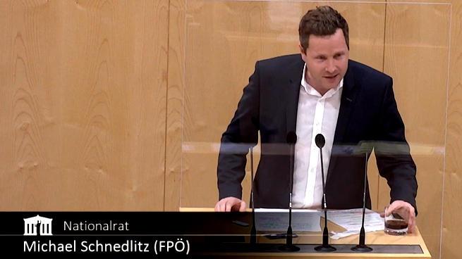 Testes para Covid são inúteis: legislador austríaco testa coca-cola no parlamento e dar positivo afirma ele