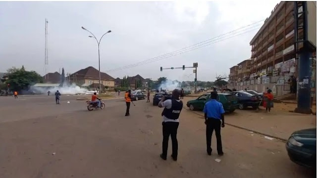 Police fires teargas on June 12 protesters in Abuja (photos)