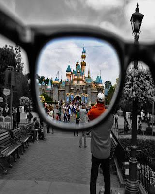 Foto divertida en disney gafas