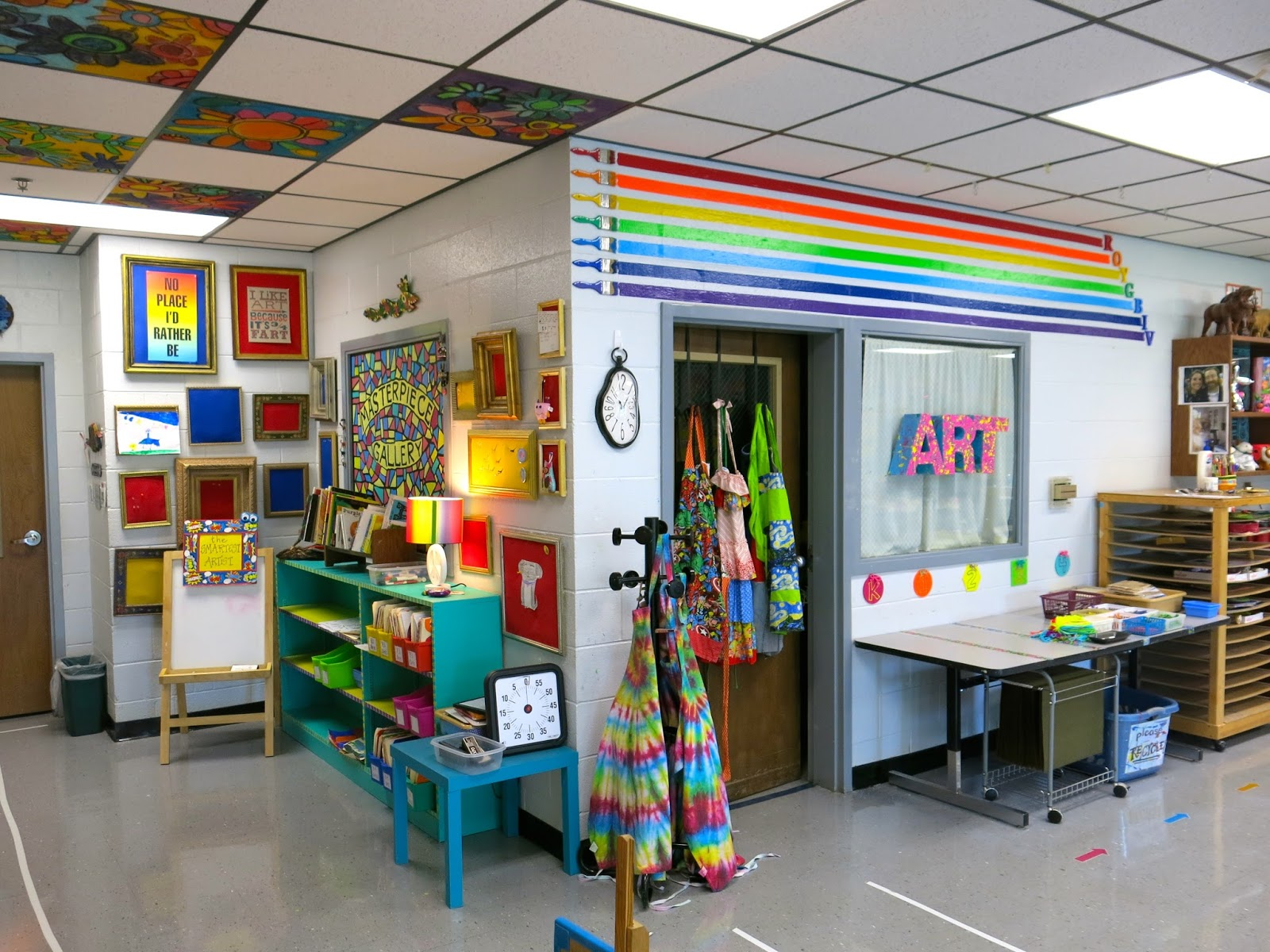 Wanna see what else Iu0027ve made for my art room this year? Here you go! & Cassie Stephens: In the Art Room: Roy G. Biv Decor!