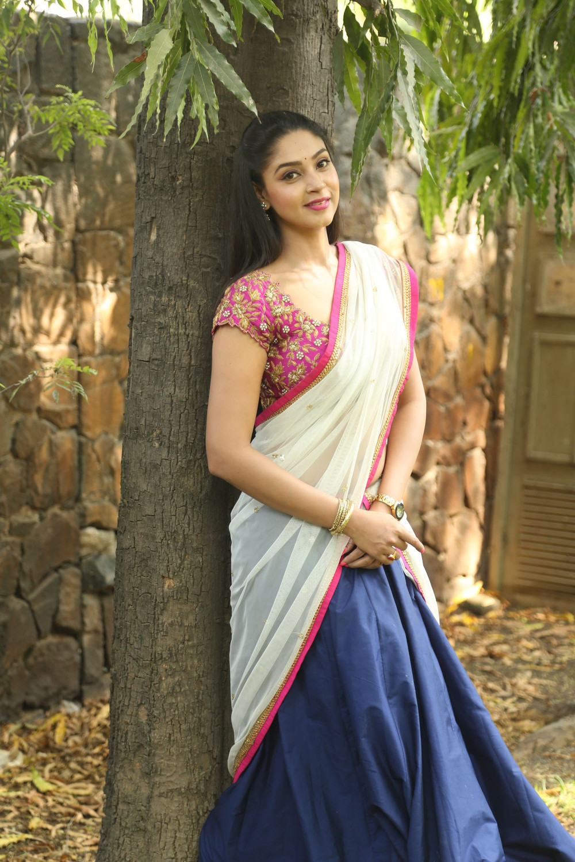 Angana Roy in half saree-HQ-Photo-17