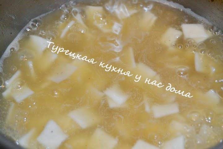Суп с домашней лапшой по-турецки