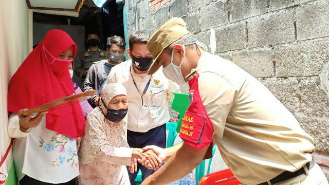 Baznas Bazis Jakarta Timur Bedah Rumah Warga Lansia di Lubang Buaya