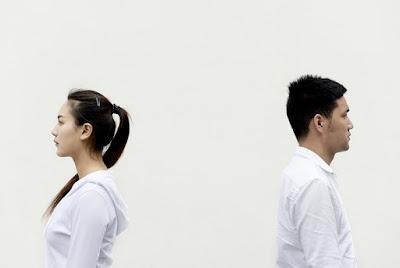 Hal Yang Harus Anda Tanyakan Saat Pasangan Jaga Jarak