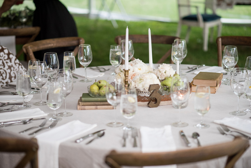 Table Styling / Montana Wedding / Photography: Kelly Kirksey Photography / Planner: Tanya Gersh Events / Florist: Mum's Flowers