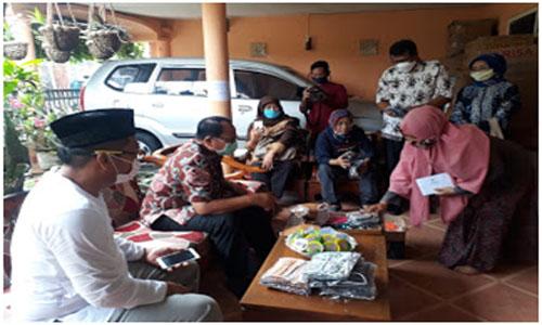 Bupati Blitar Apresiasi Pelaku UMKM Pembuat Masker di tengah Pandemi Corona
