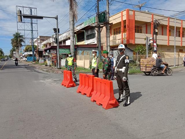 Ops Penyekatan PPKM Level 4 Diwilayah Pematang Siantar Diperketat Personel Jajaran Kodim 0207/Simalungun