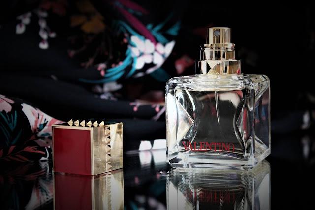 valentino voce viva parfum avis, valentino voce viva lady gaga, valentino voce viva pub, pub lady gaga, lady gaga parfum, voce viva review, valentino parfums, avis parfum, blog sur le parfum, perfume blogger, parfum pas cher, best perfume, meilleures ventes parfum femme, choisir un parfum pour femme