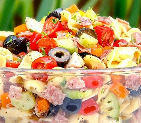 Tuscan Tortellini Pasta Salad #veggies #italian