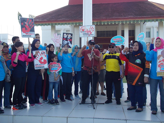 """Gubernur Kalsel Pimpin Kampanye """"Stop Kekerasan Terhadap Perempuan dan Anak"""""""