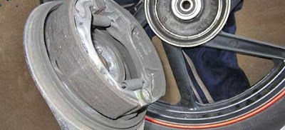 Tak Perlu Ke Bengkel, Berikut 9 Cara Jitu Mengatasi Rem Motor Yang yang Berbunyi