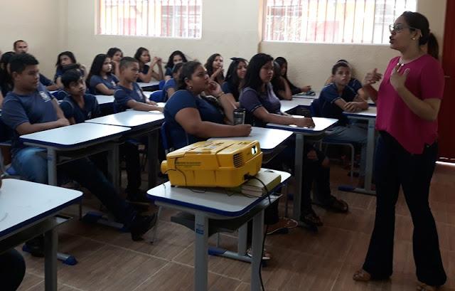 Campus Guajará-Mirim realiza ações na Escola Irmã Maria Celeste