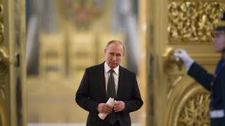 Η πολιτική των συμμαχιών: Χάσαμε τον Πούτιν, χάσαμε τον Τραμπ και ο Γιουνκερ στον κόσμο του…
