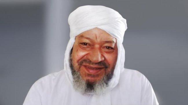 اعتداء مختل على عبد الهادي بلخياط بمسجد ومنعه من إمامة المصلين
