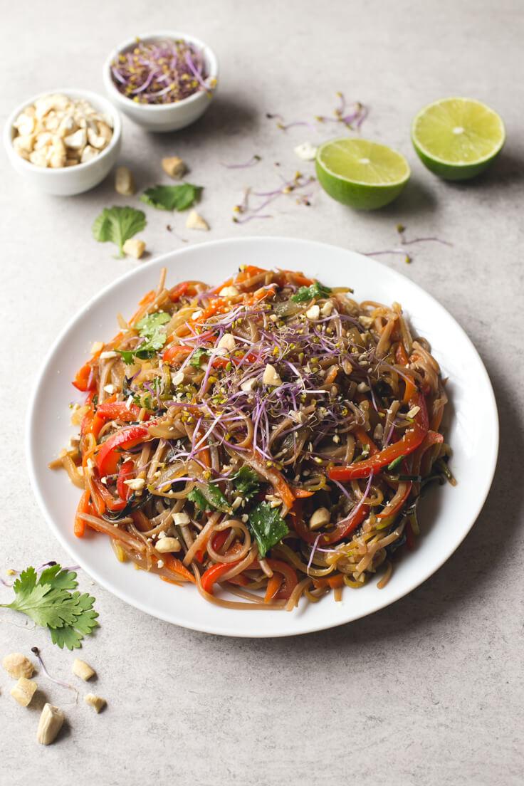 Vegan Pad Thai | danceofstoves.com #vegan