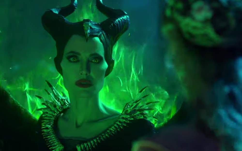 Maleficent II : エルたんが眠れる森の美女を演じたディズニーの大ヒット映画の待望の続編「マレフィセント : ミストレス・オブ・イーヴル」が、アンジェリーナ・ジョリー VS.ミシェル・ファイファーの2大女優の激突に期待を持たせる予告編を初公開 ! ! - CIA Movie News