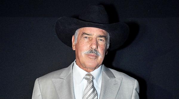Andrés García revela porqué se peleó a golpes con Luisito Rey
