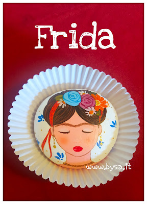 Frida Kahlo accessori dipinti a mano