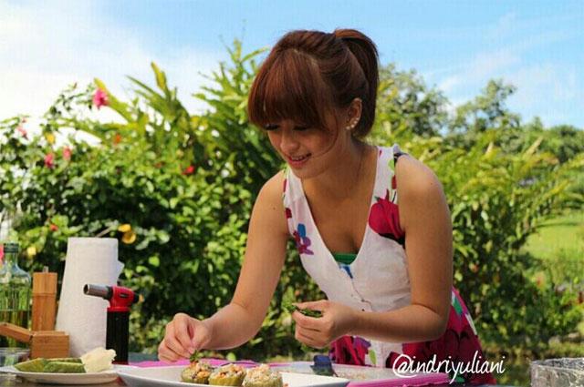 Chef-Wanita-Paling-Cantik-dan-Seksi-di-Indonesia