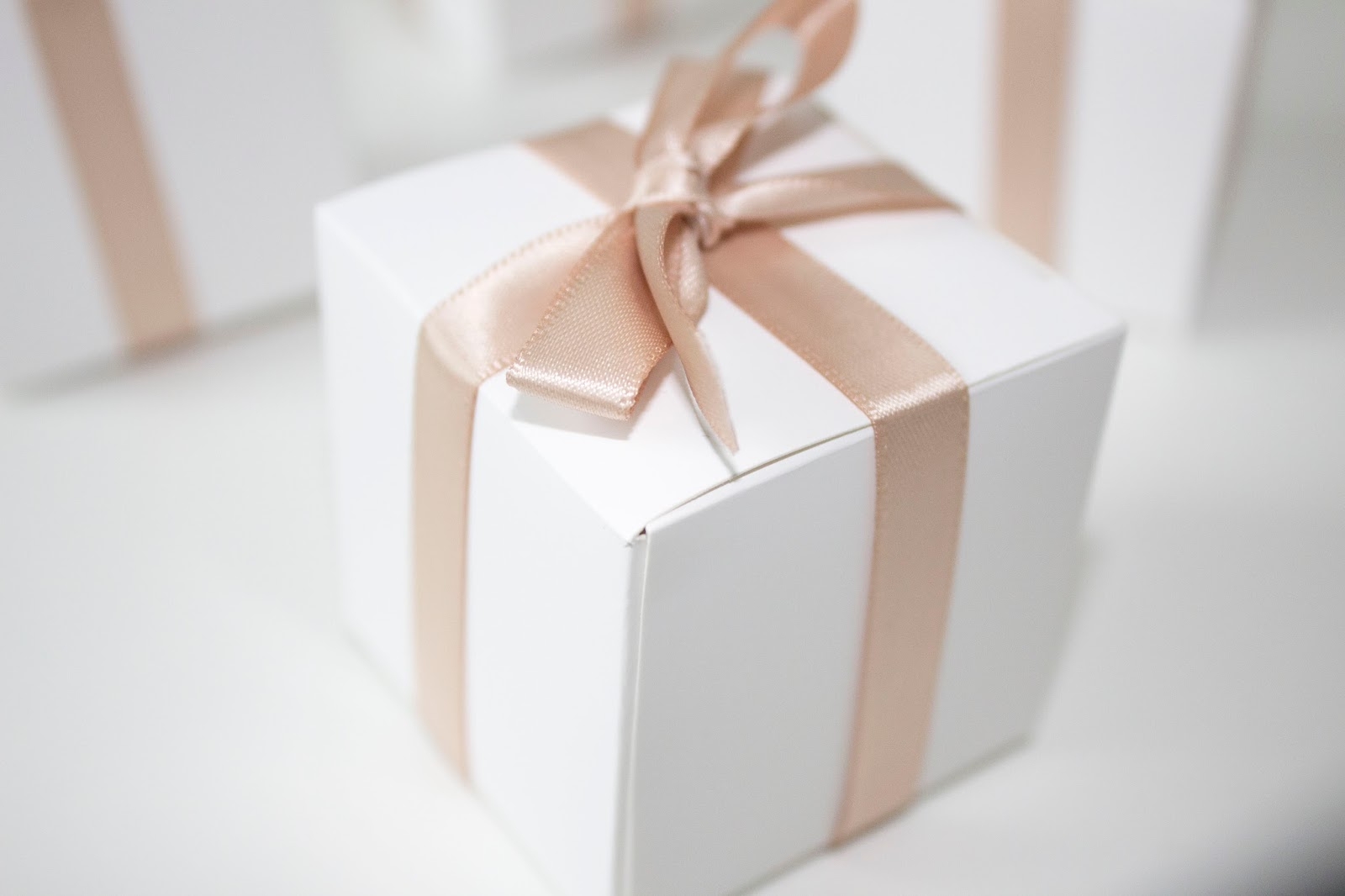 Elegant and Simple Wedding Favors - The Little Pearls of Life
