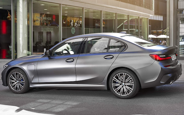 BMW 330e M Sport Híbrido Plug-in chega por R$ 297.950