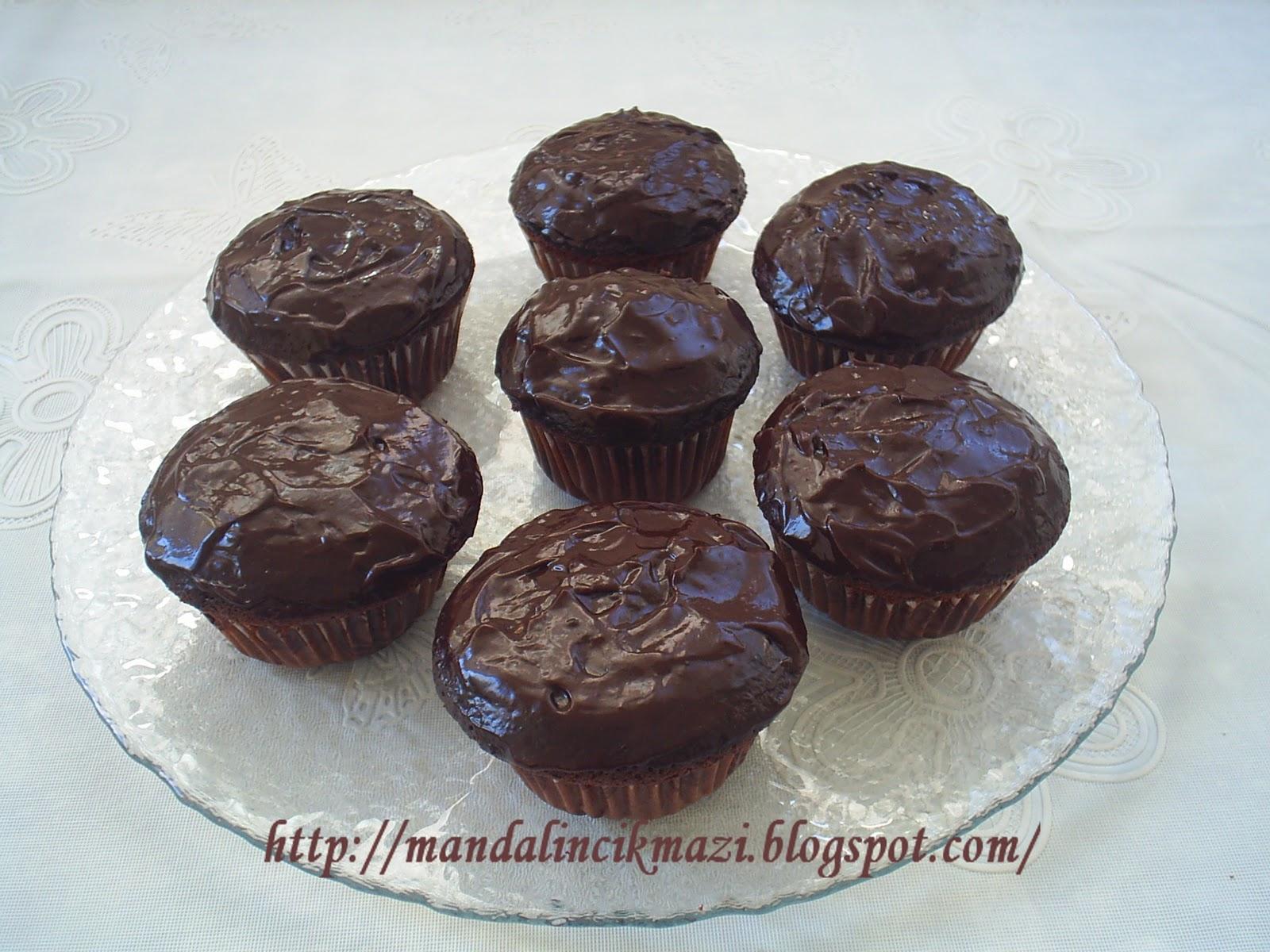 Çikolata Soslu Muffin