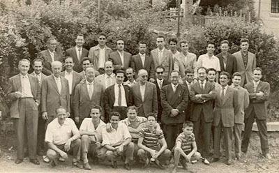 Josep Miquel Ridameya i Tatché con unos cuantos de sus entrañables amigos en La Pobla de Lillet