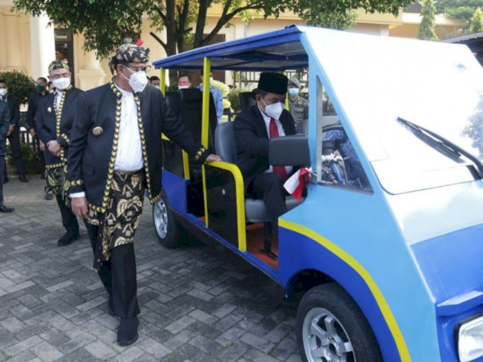 KEREN! Gubernur Banten Perkenalkan Mobil Listrik Karya Siswa SMKN 4 Pandeglang