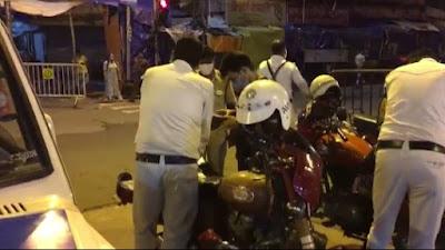 রাতের কলকাতায় আইন ভাঙা গাড়ি ধরতে পথে পুলিশ