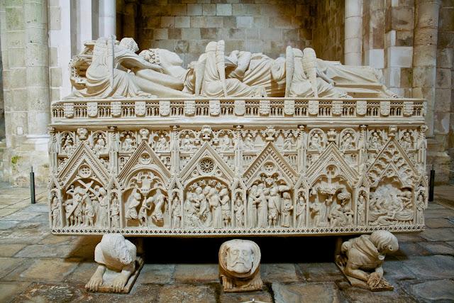 Alcobaça, Sepulcro Doña Inés de Castro