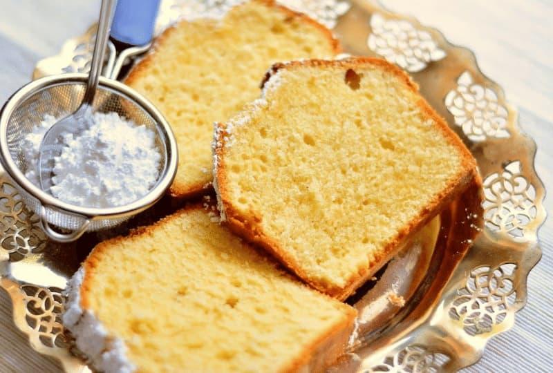 A origem do iogurte e mais uma saborosa receita de bolo de iogurte natural