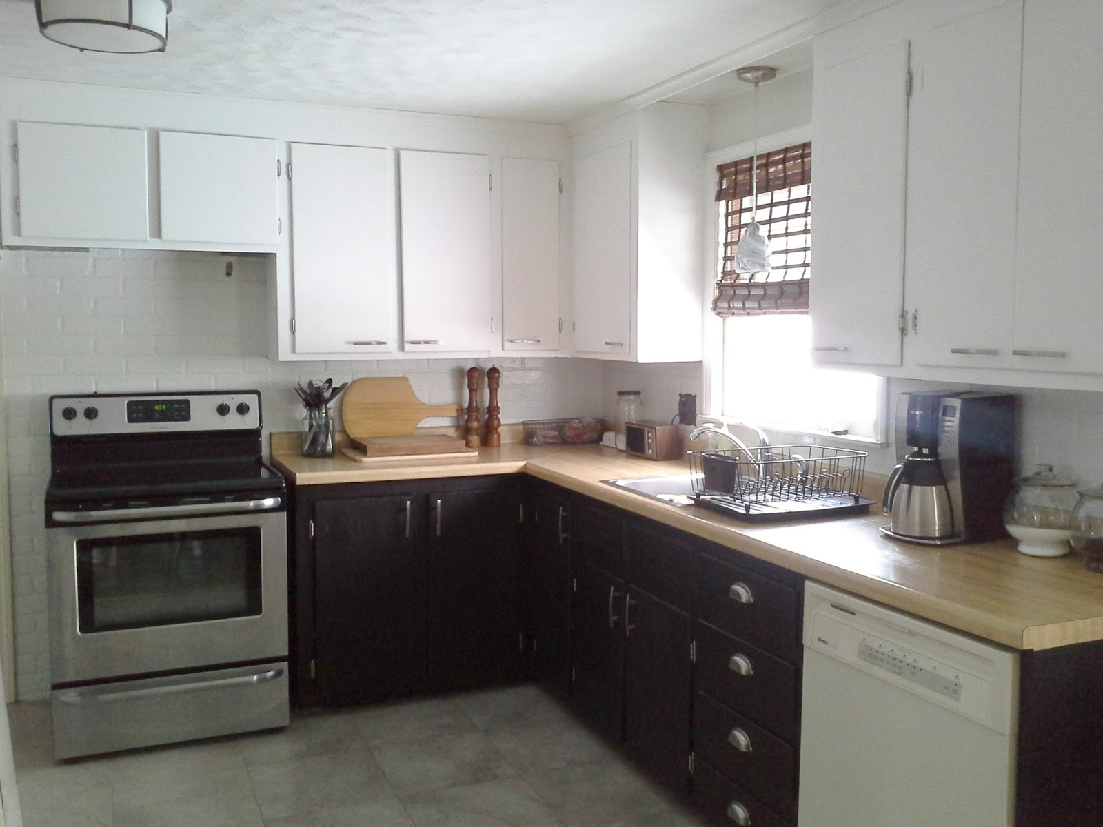 Lilly S Home Designs Lightening Up The Kitchen