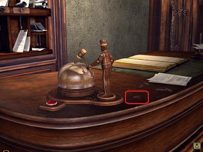 лежит ключ для вызова портье красной кнопкой в игре сибирь