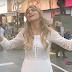 Elaine de Jesus grava clipe na Times Square