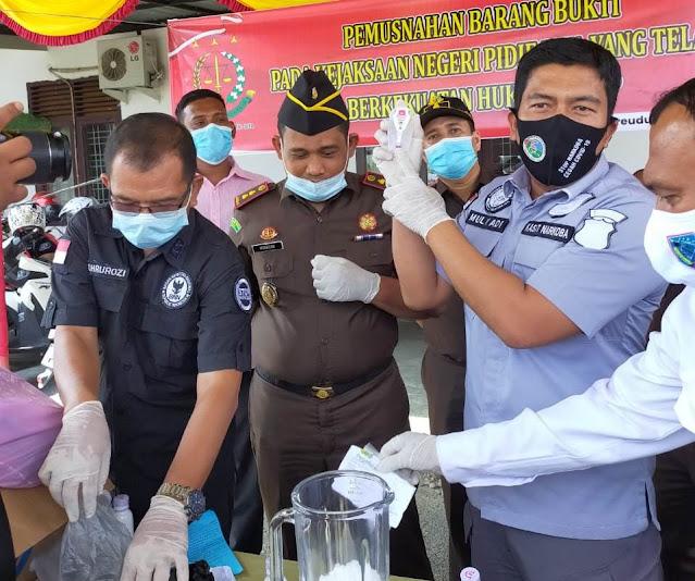 Kejari Pidie Jaya musnahkan Sabu-Sabu  402,78 gram dari perkara tindak pidana