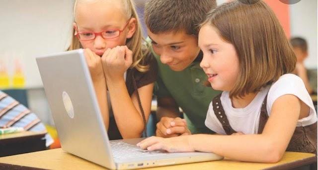 VIDEO/ Elevii pot să înveţe de la tv pentru examenele naţionale. Vezi orarul cursurilor!