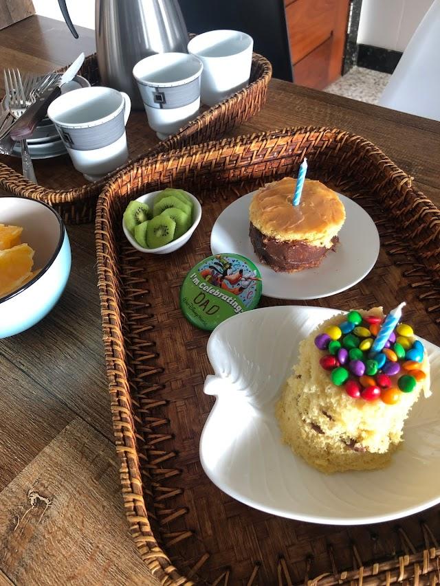 Receitas para comemorar aniversário: bolo de baunilha de caneca, antepastos, arroz de pato, naked cake de castanha etc