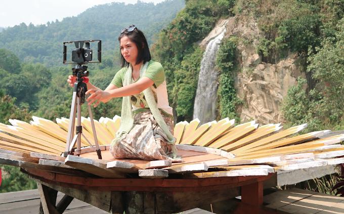 Tips nge-Vlog dari Presenter Berita, Dita Faisal